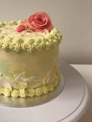 Gluten free and lactose free Coconut and lime cake with fondant roses